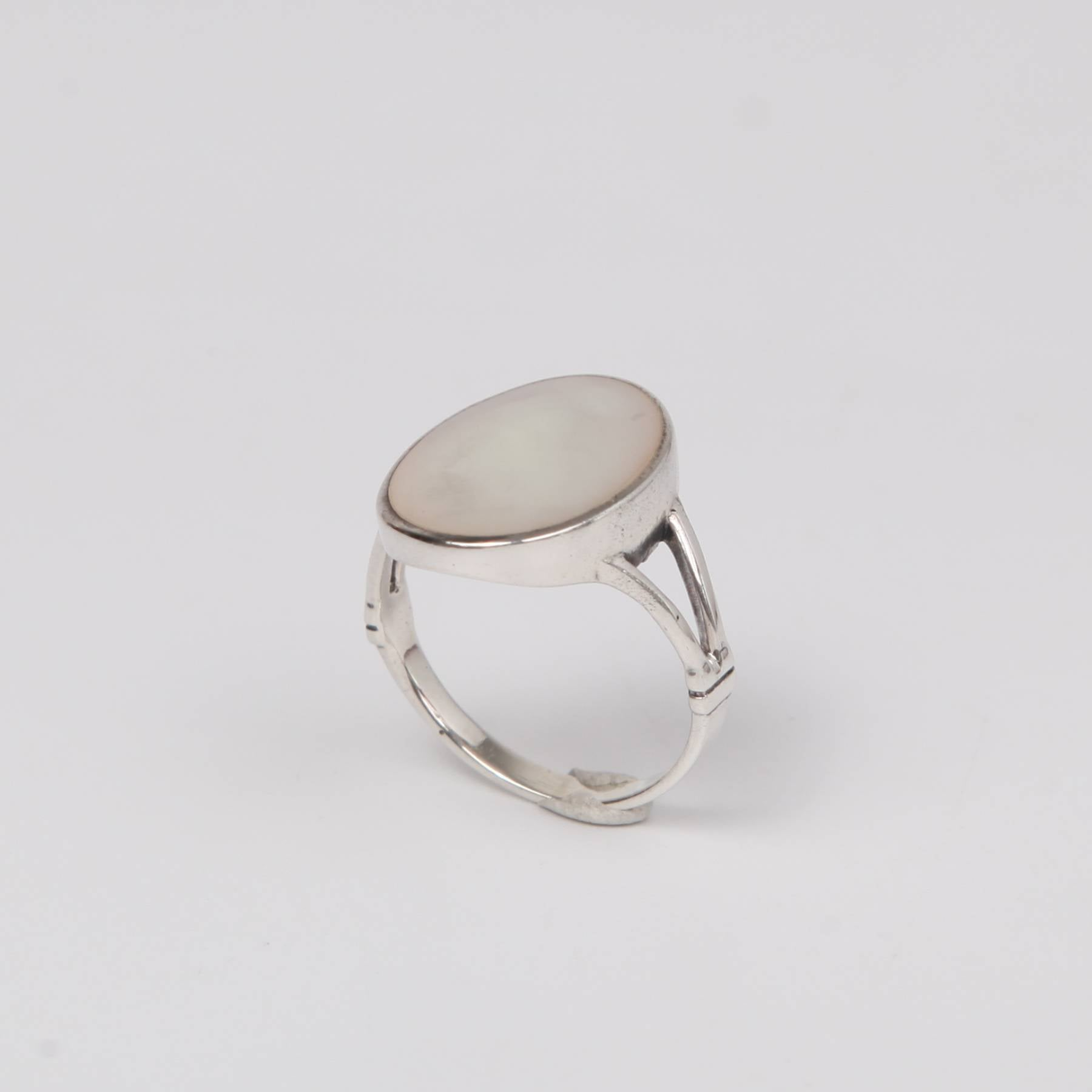Circular Sterling Silver Ring with Mother of Pearl