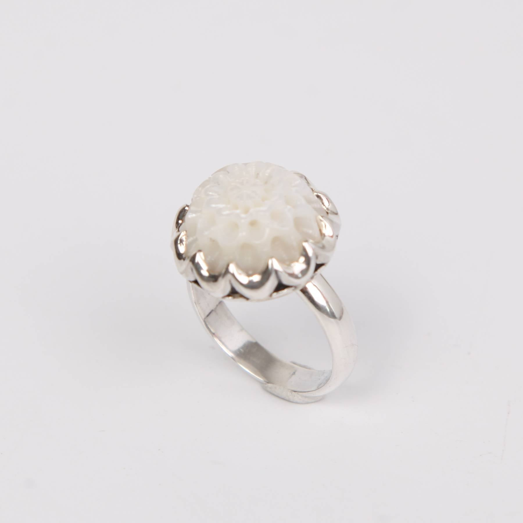 Floral Sterling Silver Ring with Mother of Pearl