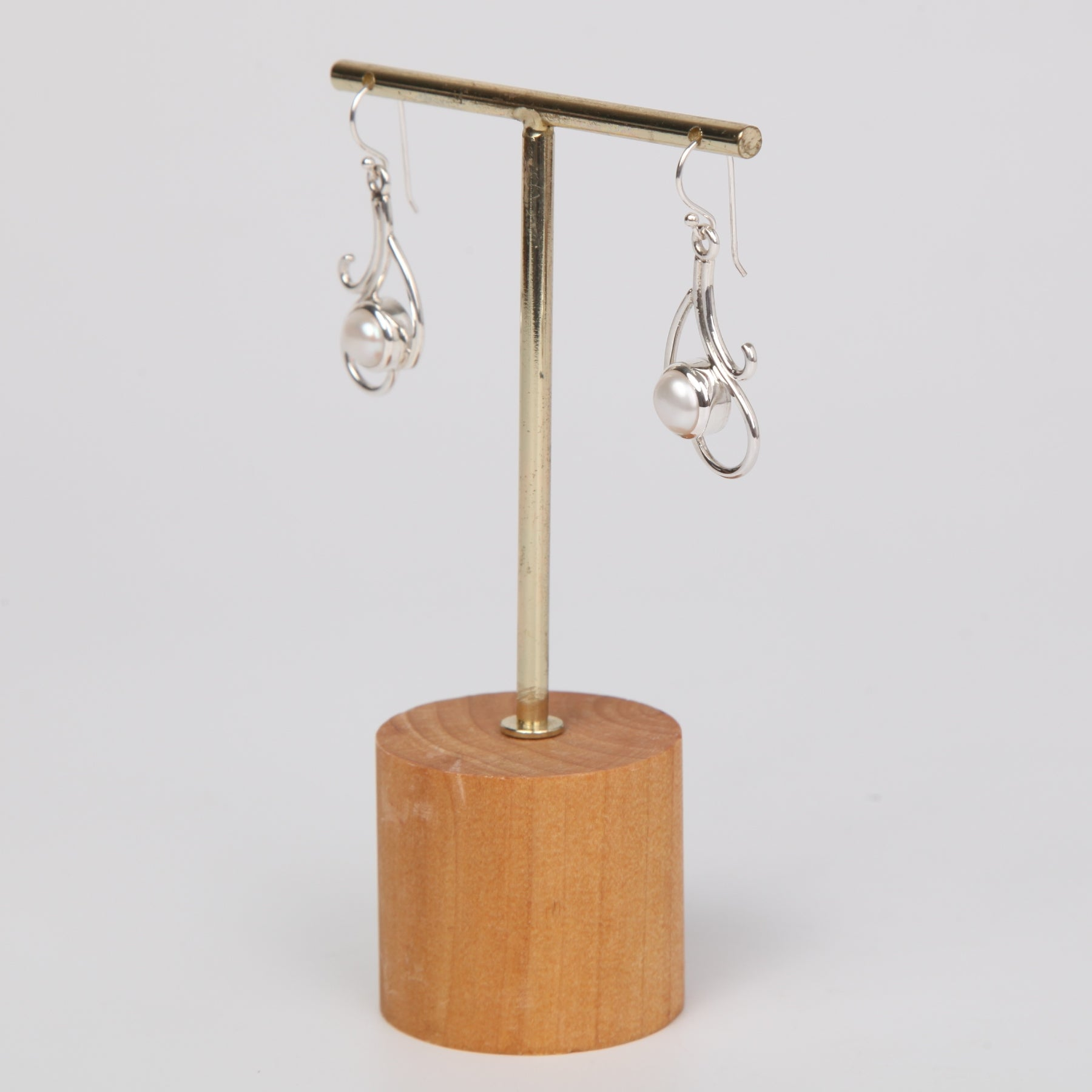 Detailed Sterling Silver Earring with Fresh Water Pearls
