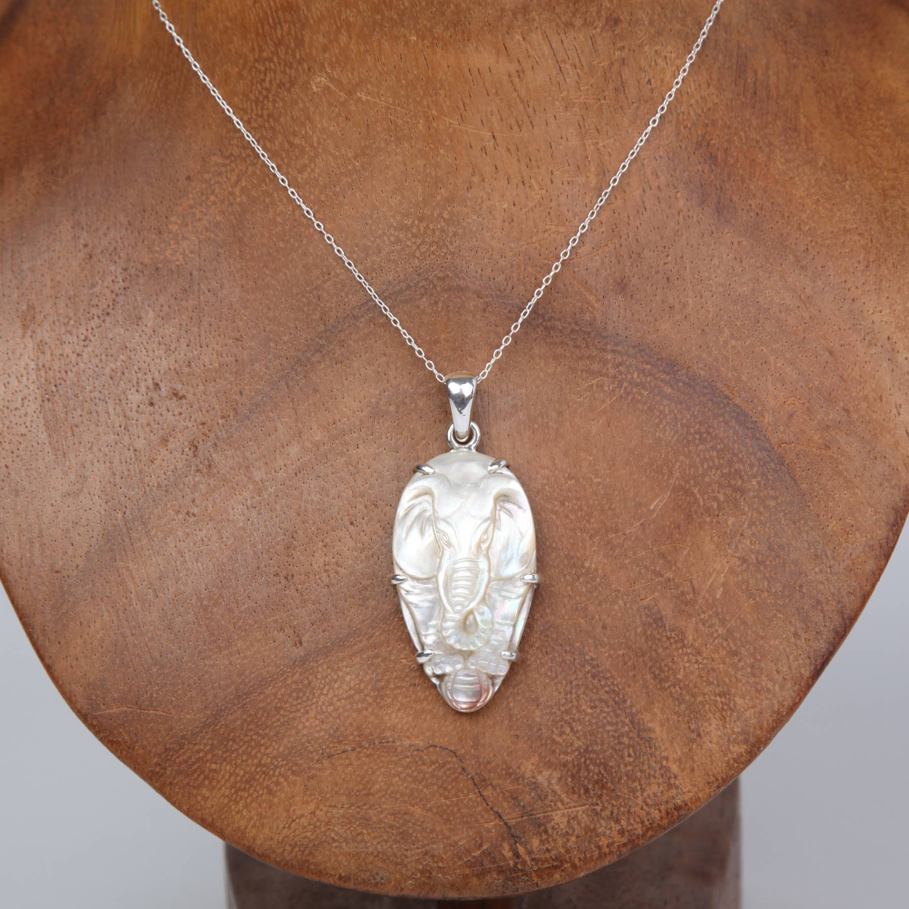 Sterling Silver Pendant with Mother of Pearl (Elephant Large)