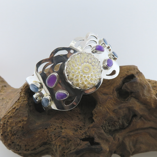 Mother of Pearl (Flower Curved) Sterling Silver Bangle with Kyanite and Sugilite
