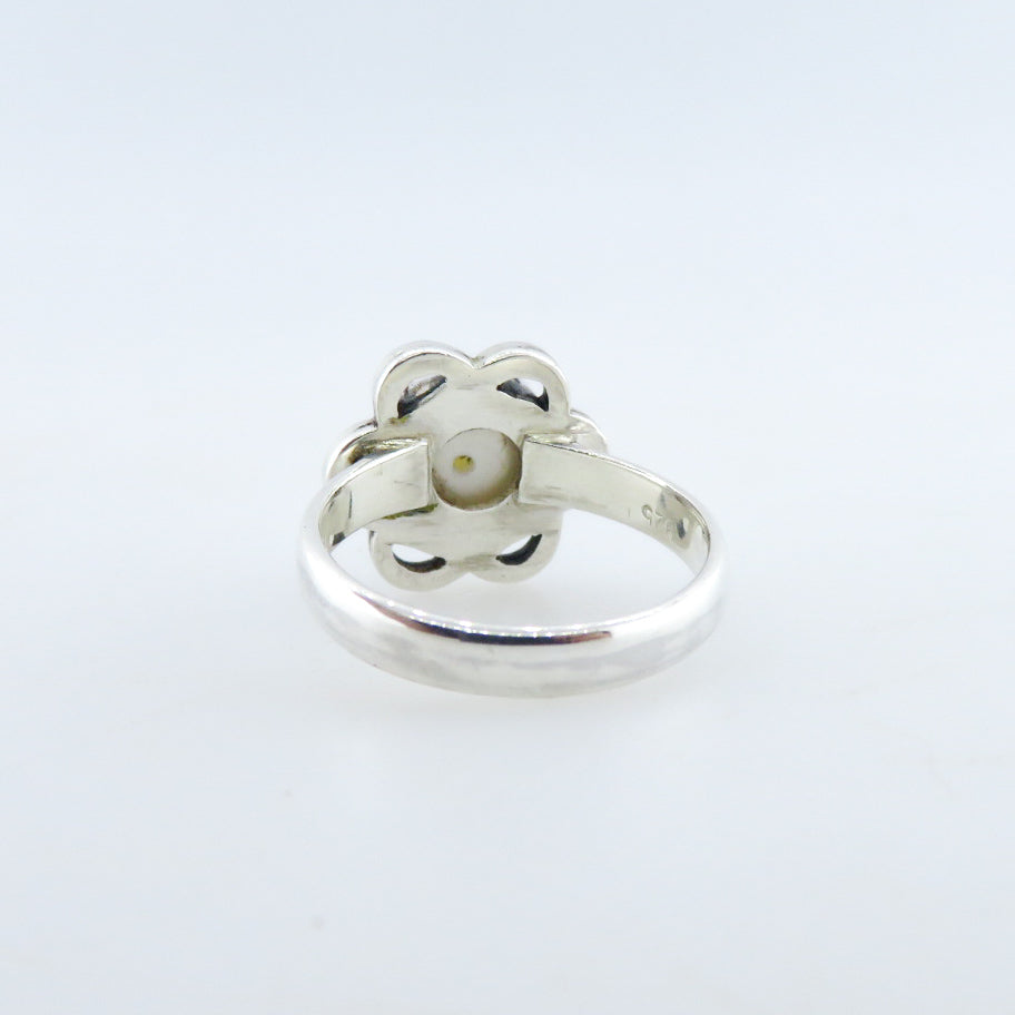Sterling Silver Ring with Fresh Water Pearl