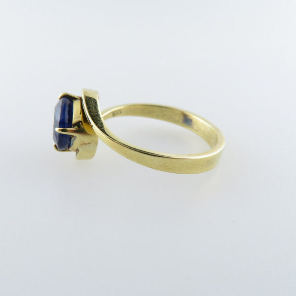 18K Gold ring with Blue Sapphire