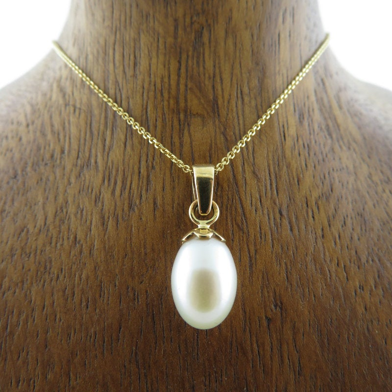 Fresh Water Pearl Pendant with 18K Gold