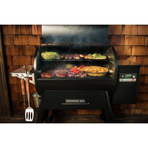 Traeger IRONWOOD 650 WOOD PELLET GRILL
