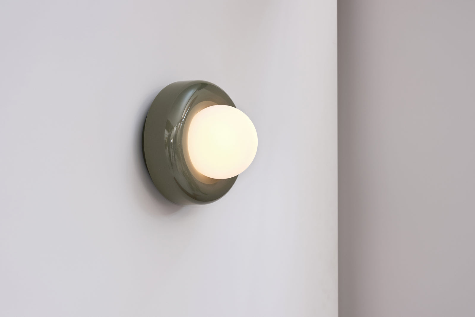 Nelly Wall Light Olive