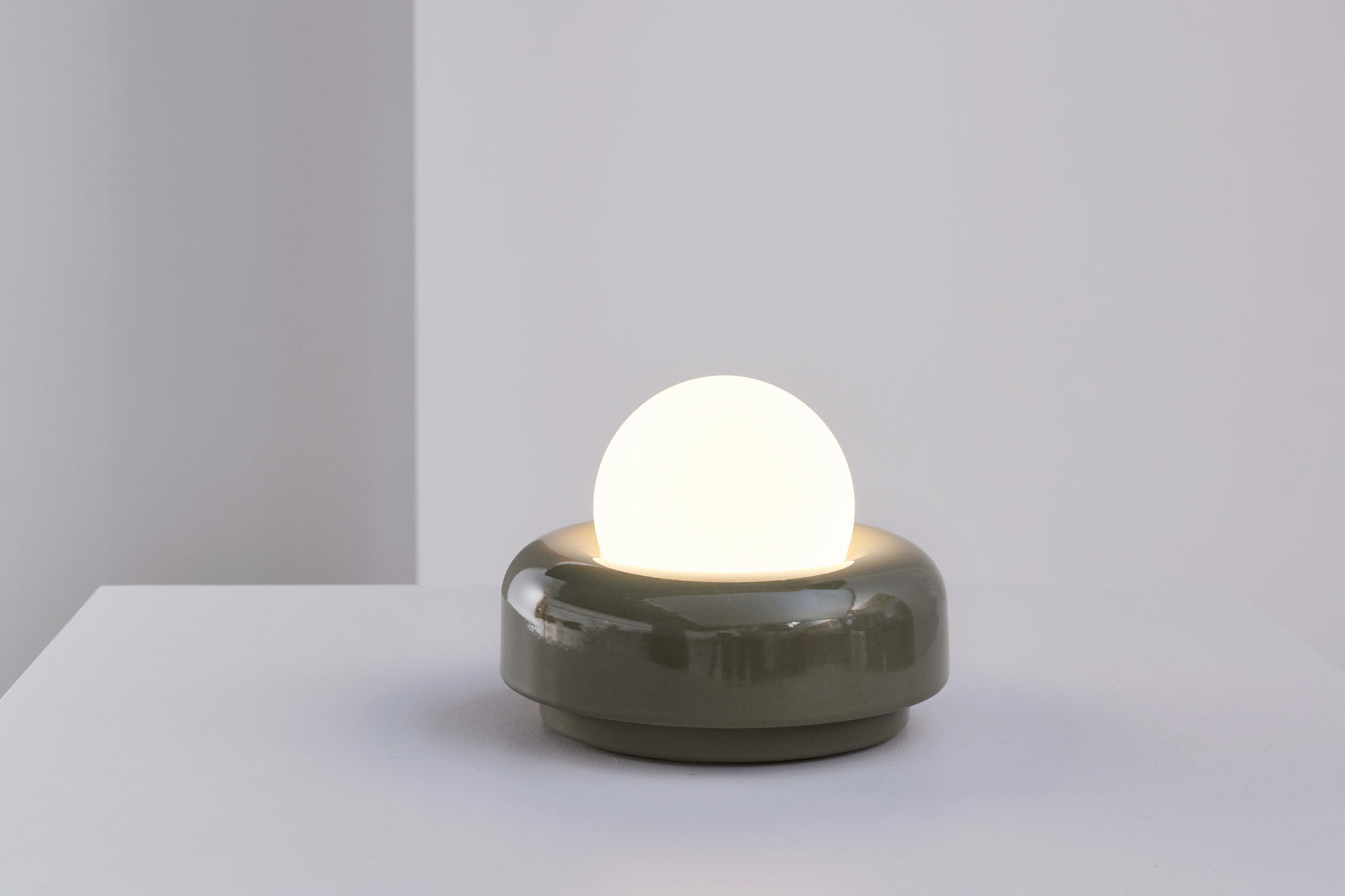 Nelly Table Light Low Olive