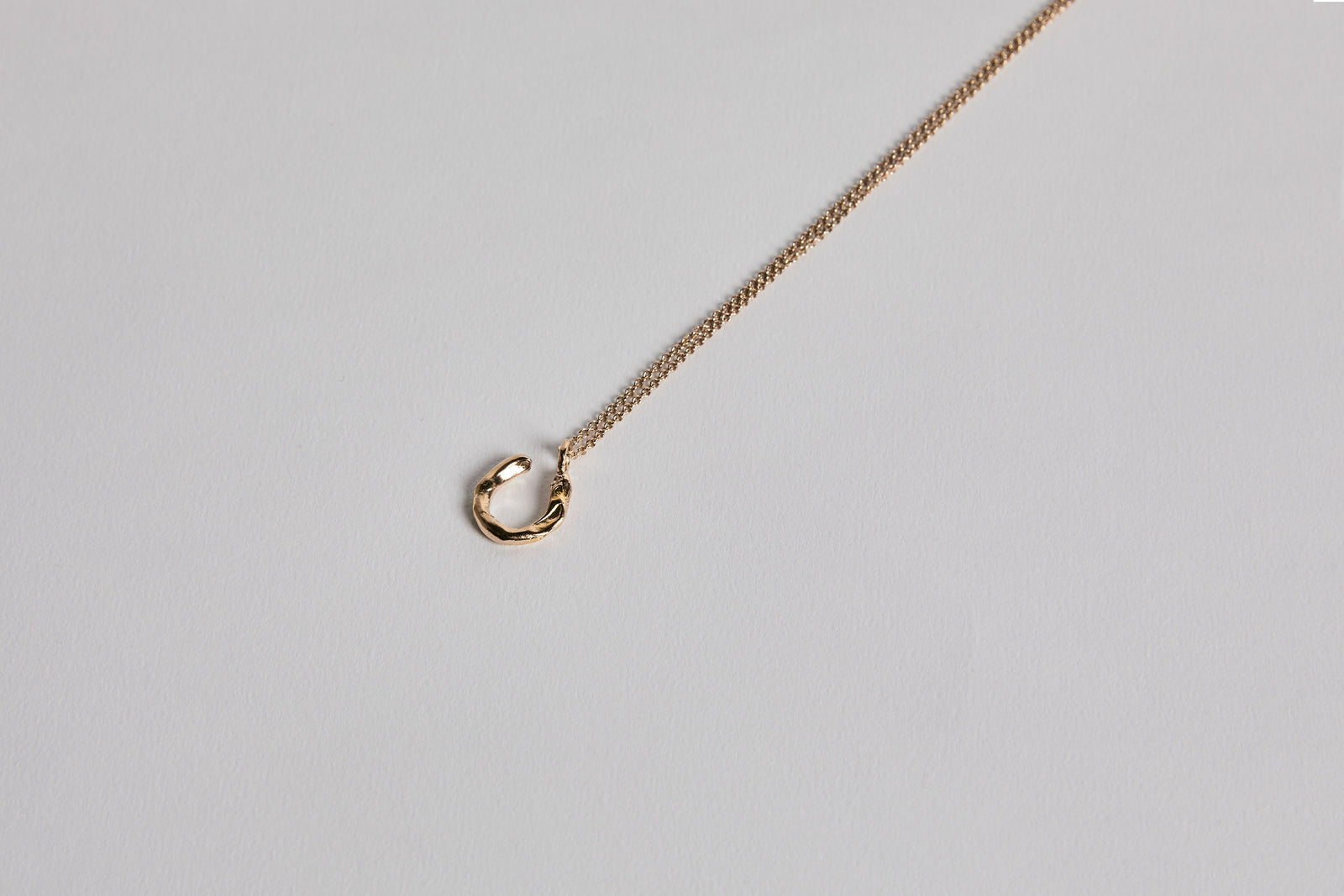 Horseshoe Necklace Gold