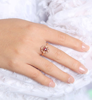 Karie Vintage Halo Ring - Red Oval W056