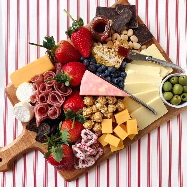 charcuterie board for two on barquegifts.com