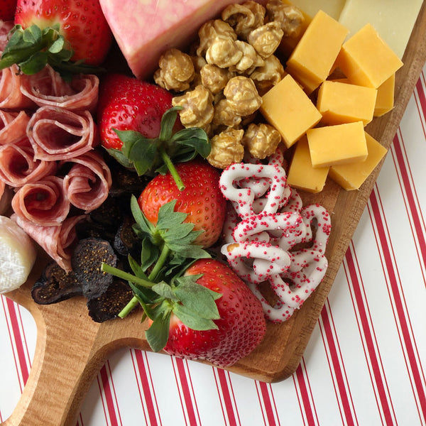 sweetheart charcuterie board on barquegifts.com