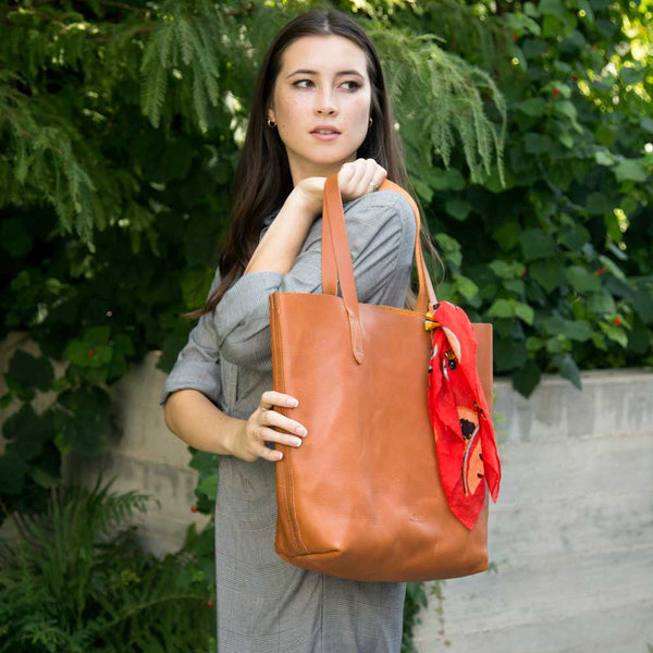 Everyday Tote at barquegifts.com