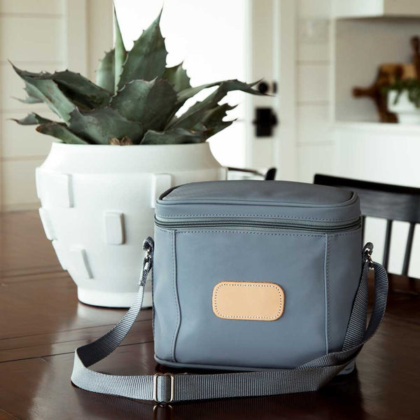 Frio Lunch Box at barquegifts.com