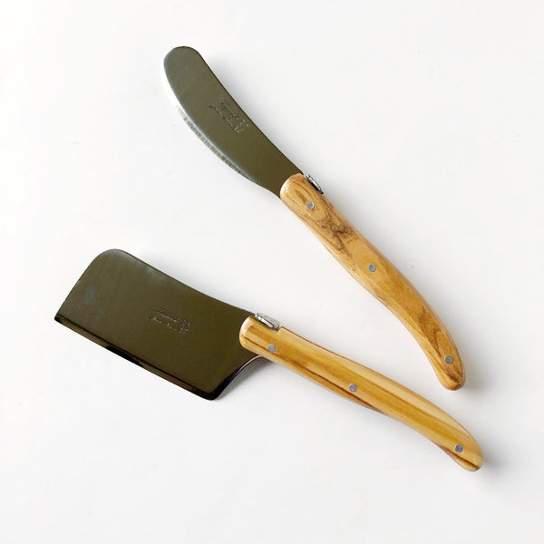 olive wood cheese knife and spreader on barquegifts.com