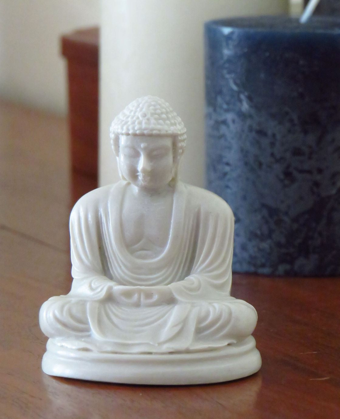 Medium Classic Mediataion Buddha in Reconstituted powdered Marble