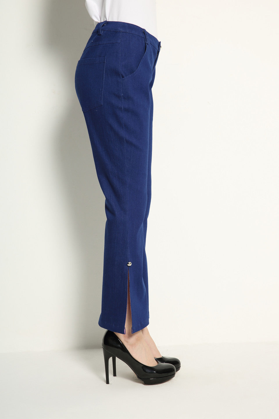 Slit Flare Jeans With Color Lining - GlanceZ   - 5