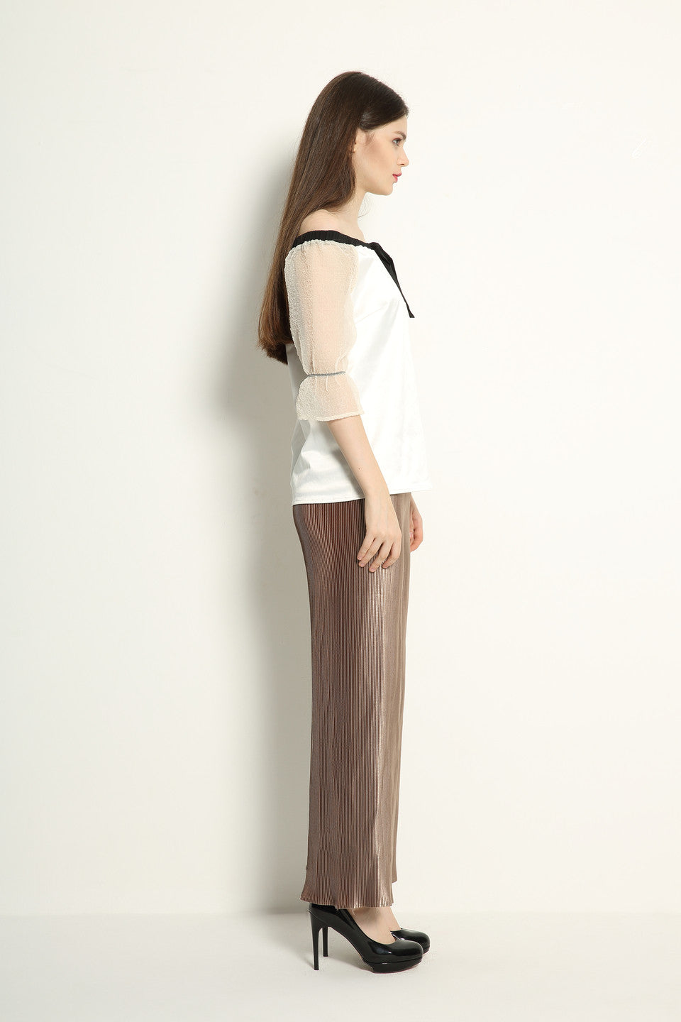 Metallic Pleat Trousers - GlanceZ   - 4