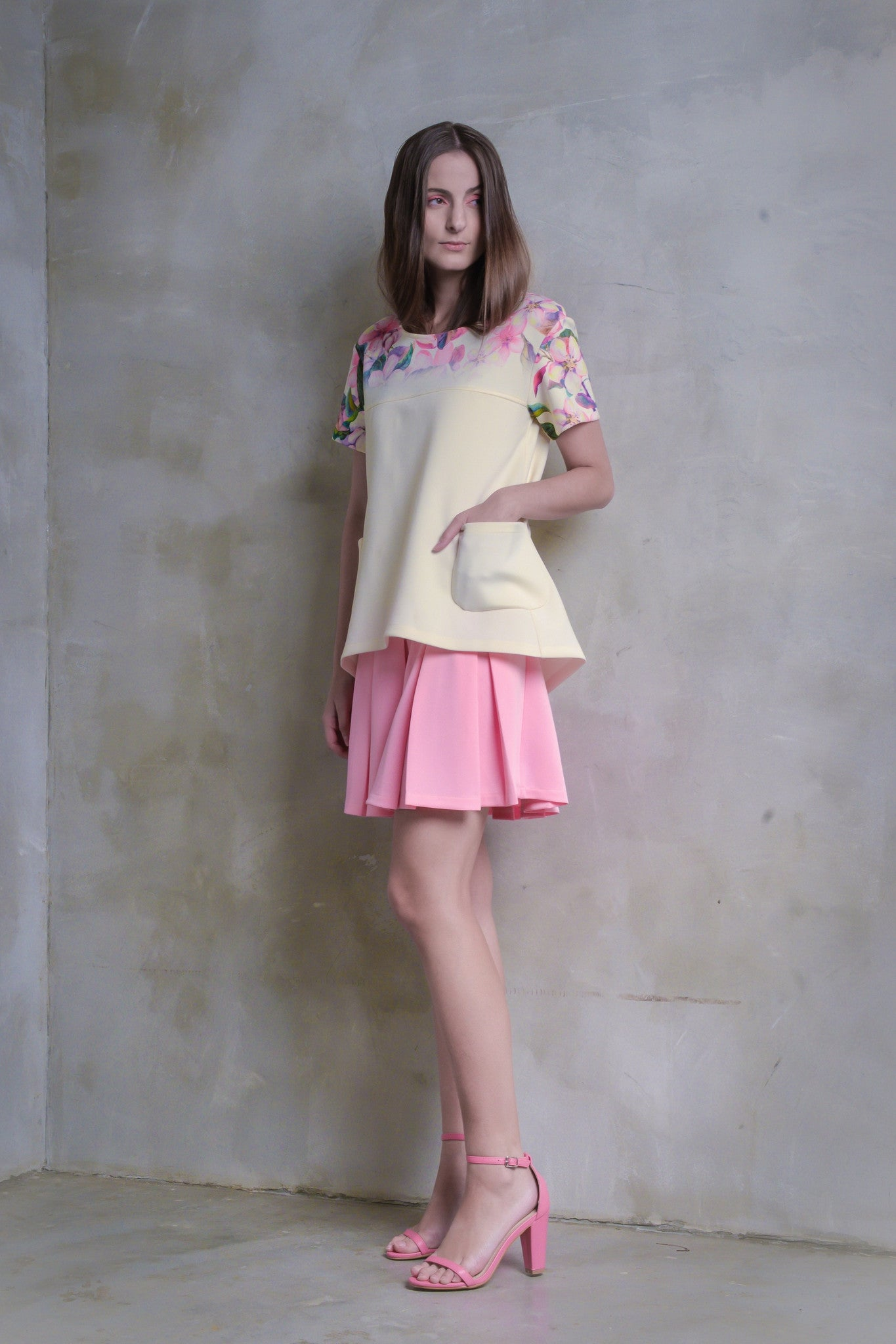 Sakura Pleat Dress With Pockets - GlanceZ   - 2
