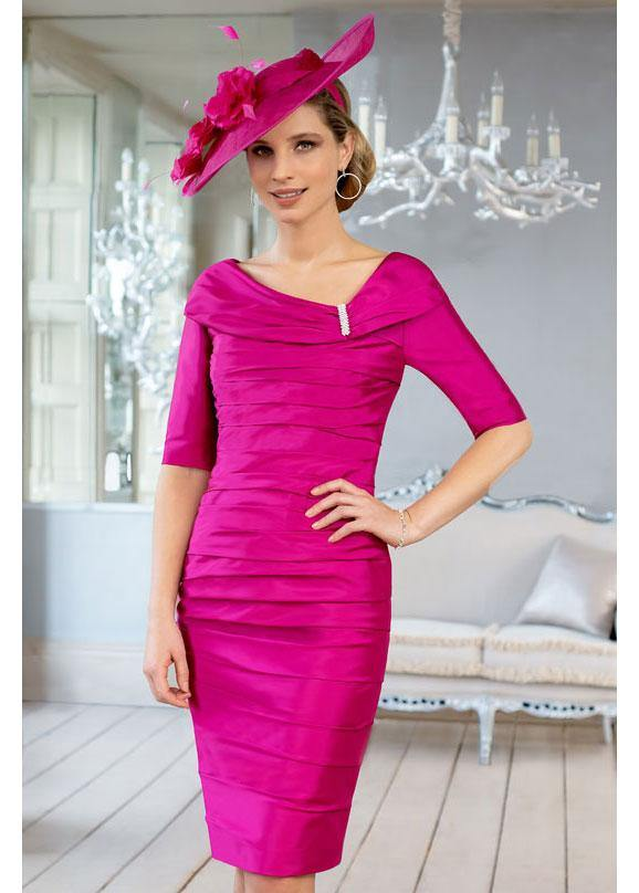 Inspirato Fitted Ruched Dress with Brooch