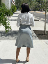 Load image into Gallery viewer, Satin skirt 1