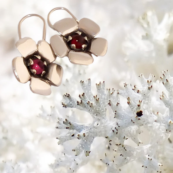 Pink Kanuka Flower Earrings | nz jewellery | Redmanuka, silver earrings with pink tourmaline centres on white moss