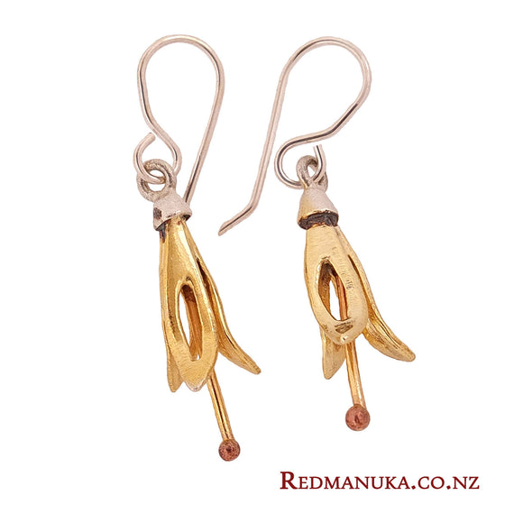 Harakeke earrings, silver dipped in pure gold, by jewellery nz designer Martyn Milligan