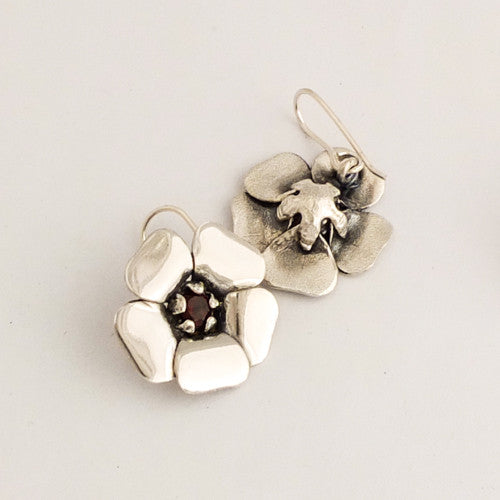 Kanuka Flower Earrings | nz jewellery | Redmanuka, silver earrings with garnet centres