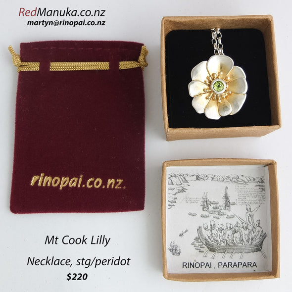 Snow Lilly silver necklace peridot & gold vermiel gift wrapped by Martyn Milligan NZ handmande jewellery golden bay