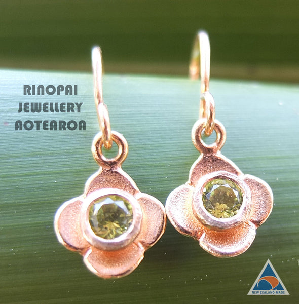Quatrefoil Peridot Sterling Silver Vermiel Gold Flower Earrings by Martyn Milligan Rinopai Golden Bay