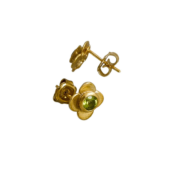 Quatrefoil Peridot Ear studs. Sterling Silver with pure gold surface. Handmade by NZ jewellery designer Martyn Milligan, Rinopai, Parapara, Golden Bay , Nelson