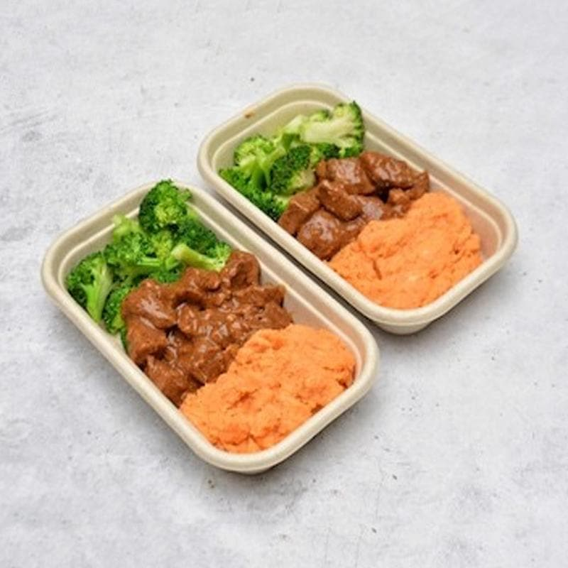 Classic Braised Beef, Sweet Potato Mash and Steamed Broccoli Pen Catering