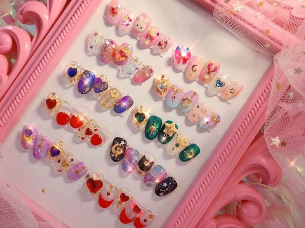 Design Beautiful and Elegant Nail Art: An Online Self-Nail Class Nailart 편블리 Class Access Only