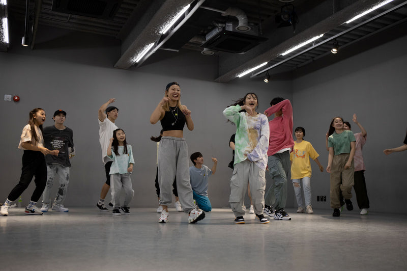 STEP BY 1 MILLION - Start Dancing with the Best K-Pop Choreographers Anywhere Life Style 1MILLION Dance Studio
