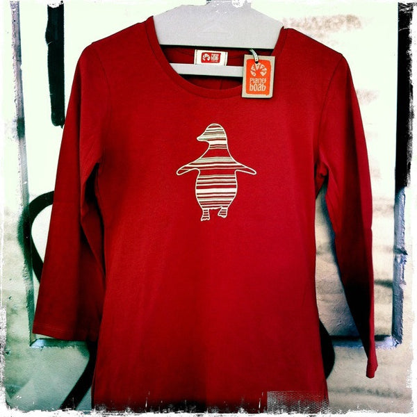 Penguin | 3/4 sleeve, cream print on red