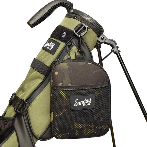 golf valuables pouch clipped onto golf bag