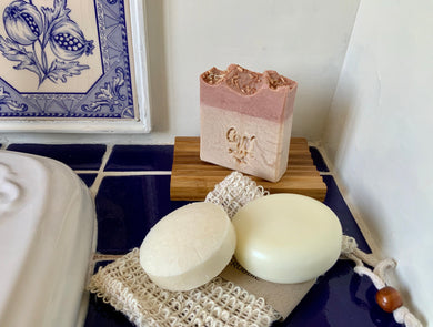 £15  - Small Gift  box - Coconut Soap and wooden soap tray