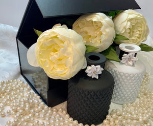 Matt Black Geo Diffuser Bottle. Luxury Premium Black Gloss Magnetic Gift/Keepsake Box