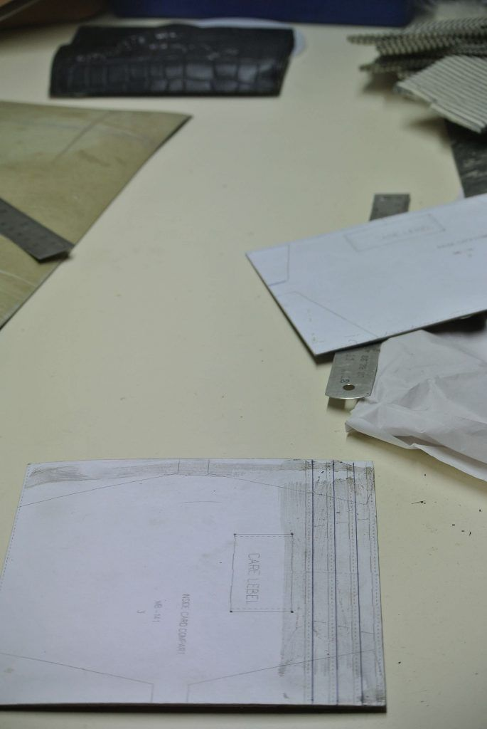 Example of the interior design of the Envelope Pixie with croco flap. The workers follow this drawing exactly.