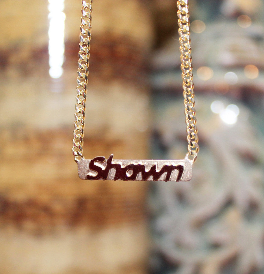 Mens Raised Letter Gold Bar Name Necklace - 3mm