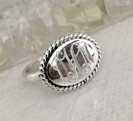 Personalized Horizontal Oval Rope Edge Sterling Silver Ring 2