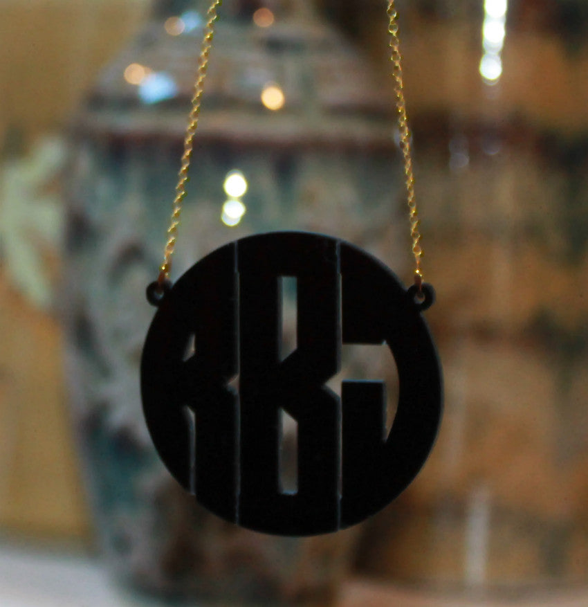 acrylic block monogram necklace black