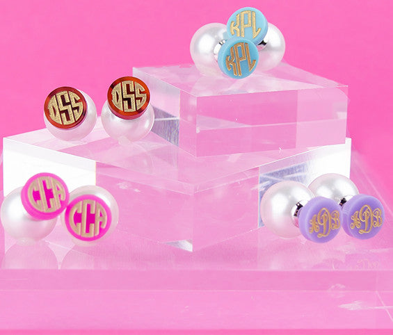 acrylic 360 monogram stud earrings