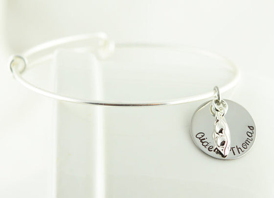 Peas In A Pod Expandable Wire Bangle Bracelet