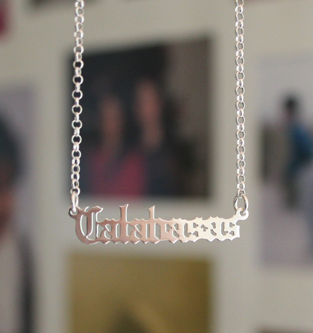 smaller gothic nameplate necklace - kylie jenner