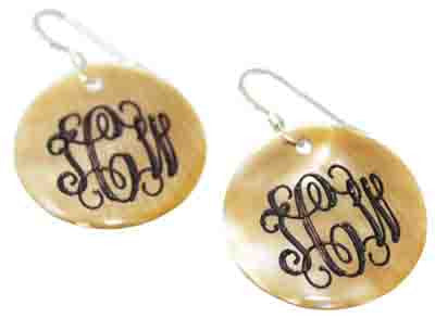 Engraved Round Shell Earrings - Brown Lip