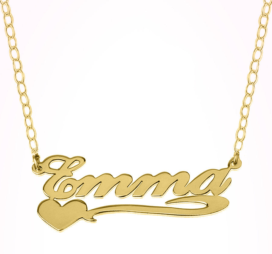 nameplate necklace with heart