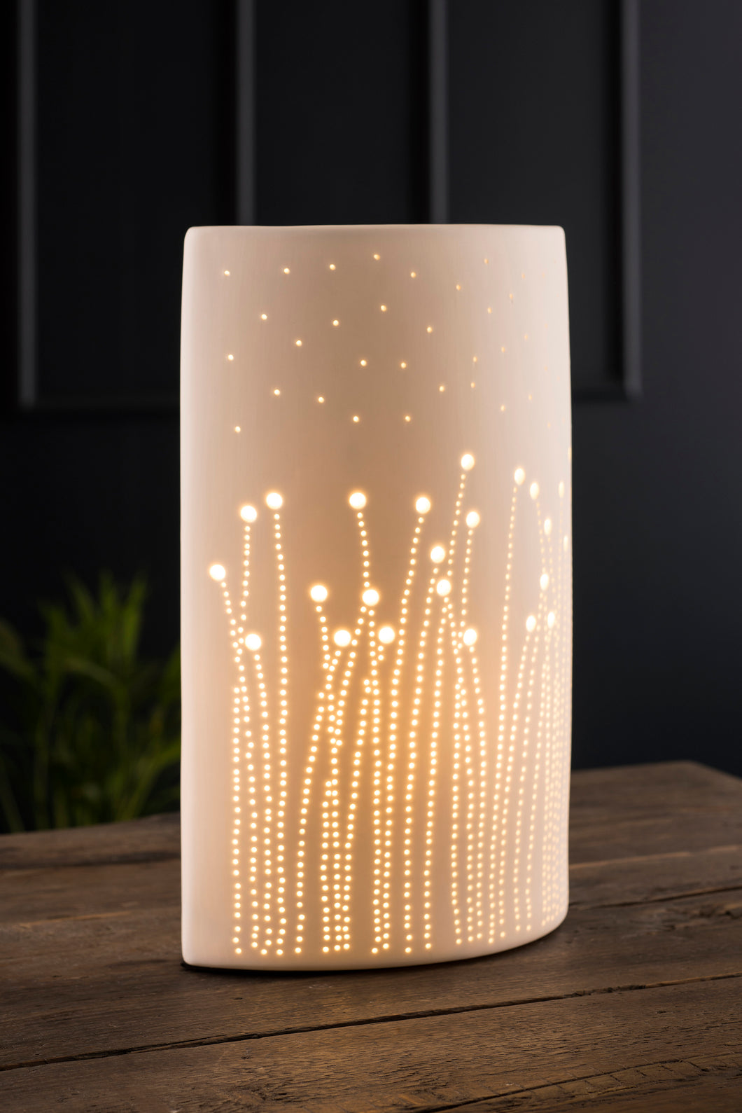 Belleek - Christmas Collection Meadows Luminaire