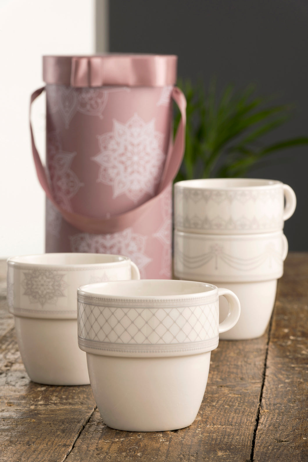 Belleek & Aynsley - 4 Mug Set