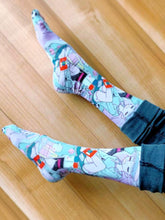 Load image into Gallery viewer, Pastel Jill Lamm Room Graphic Socks
