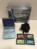 Nintendo Game boy advance sp pearl blue + 4 jeux + chargeur